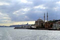 Взгляд на Bosphorus и городе Стоковое Изображение