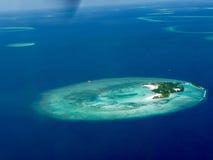 Взгляд на maldive островах сверху Стоковое Изображение RF