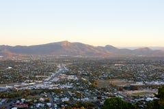 Взгляд над Townsville для того чтобы установить Stuart в Квинсленде Стоковое Изображение RF
