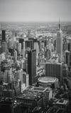 Взгляд неба центра города Нью-Йорка - Манхаттана Стоковые Изображения