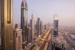 Взгляд небоскребов шейха Zayed Дороги в Дубай, ОАЭ Стоковое Изображение