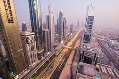 Взгляд небоскребов шейха Zayed Дороги в Дубай, ОАЭ Стоковое Фото