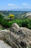 Взгляд неплодородных почв в Civita, Лацие, Италии стоковое фото