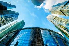 Взгляд низкого угла небоскребов Москв-города Стоковое Фото