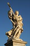 Взгляд низкого угла статуи Стоковая Фотография