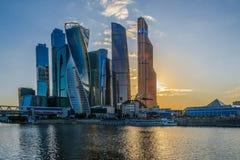 Взгляд ночи башни города Москвы Стоковая Фотография