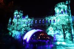 Взгляд ночи вычисляемого моста в музее истории Tsaritsyno внутри Стоковые Изображения RF