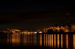 взгляд ночи выдержки города длинний Стоковые Фото