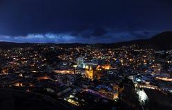 Взгляд ночи в Гуанахуате, Мексике Стоковые Изображения