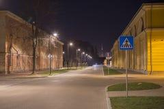 Взгляд ночи в усилии города Daugavpils около старого здания центра искусства Марк Rotko Стоковые Фото
