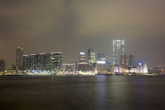 Взгляд ночи гавани Гонконга Стоковая Фотография RF
