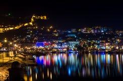 Взгляд ночи гавани, крепости и ночи освещает в Alanya, Турции Стоковая Фотография RF