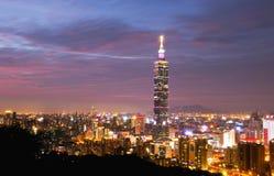 Взгляд ночи города Тайбэя стоковое фото rf