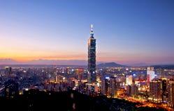 Взгляд ночи города Тайбэя стоковая фотография rf