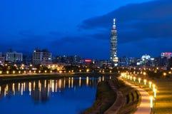 Взгляд ночи города Тайбэя стоковые фотографии rf