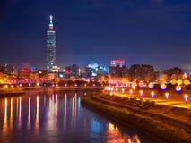 Взгляд ночи города Тайбэя стоковая фотография