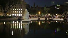 Взгляд ночи квадрата Каталонии сток-видео