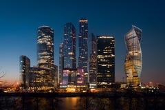Взгляд ночи к Москв-городу делового центра Москвы международному Стоковая Фотография RF