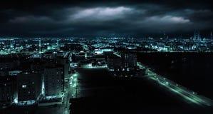 Взгляд ночи Манамы, столицы Бахрейна, Ближний Востока Стоковое фото RF