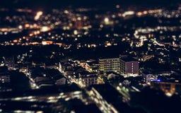 Взгляд ночи над городком Пхукета стоковые изображения rf