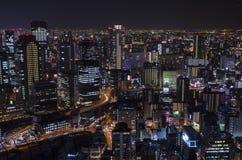 Взгляд ночи на Осака Японии, на верхней части здания неба Umeda Стоковая Фотография