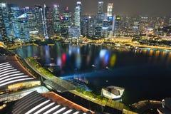 Взгляд ночи от залива Марины зашкурит skypark Сингапур Стоковая Фотография RF