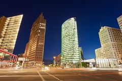 Взгляд ночи пересечения Potsdamer Platz Стоковая Фотография RF