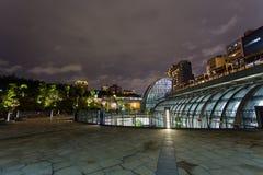 Взгляд ночи станции MRT парка Daan стоковые изображения