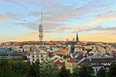 Взгляд ночи холма vitkove na Праги Стоковая Фотография RF