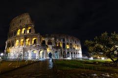 Взгляд ночи Colosseum, Рим Стоковые Изображения