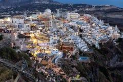 Взгляд ночи Fira, острова Santorini Стоковые Фотографии RF