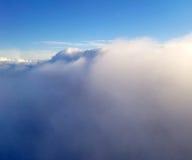 Взгляд облаков на день birght солнечный сезона лета Стоковое Фото