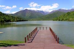 Взгляд озера и гор Стоковые Фото