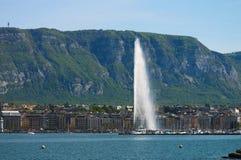 взгляд озера geneva фонтана Стоковая Фотография