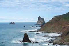 Взгляд океана и побережья от высокого угла взгляда Стоковое Изображение