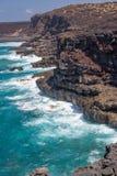 Взгляд океана и скал на трассе Timanfaya прибрежной, пути в национальном парке Лансароте, Канарских островов Испании Стоковая Фотография RF
