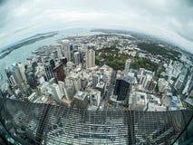 Взгляд Окленда, Новой Зеландии от палубы неба башни неба Стоковые Фотографии RF