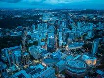 Взгляд Окленда, Новой Зеландии от палубы неба башни неба Стоковые Фото