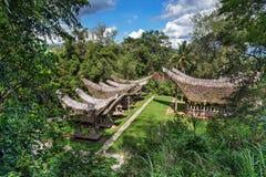 Взгляд домов Tongkonan традиционных в деревне Buntu Пуны Стоковое фото RF