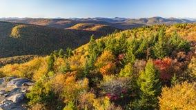 Взгляд осени Adirondacks от горы Hadley стоковое фото