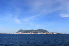 Взгляд острова Гибралтара и среднеземноморского океана Стоковая Фотография RF