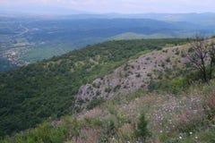 Взгляд от вершины холма весной Стоковое Изображение RF