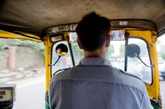 Взгляд от внутренности автоматическ-рикши Стоковое фото RF