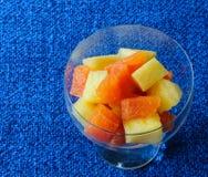 Помераец крови и фруктовый салат ананаса Стоковая Фотография