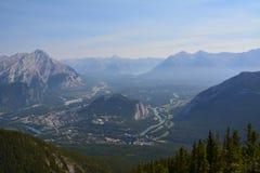 Взгляд от горы в Banff Канаде Стоковое Изображение