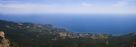 Взгляд от горы к seashore Стоковое Изображение RF