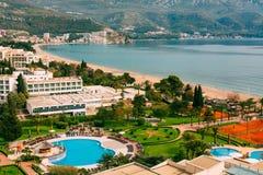 Взгляд от гостиницы на прогулке Becici Стоковые Изображения
