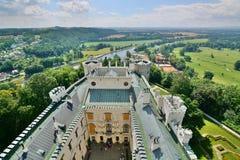 Взгляд от главной башни Замок ¡ Hlubokà ¡ Nad Vltavou Hlubokà взгляд городка республики cesky чехословакского krumlov средневеков Стоковое Фото