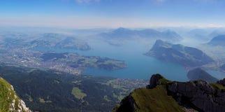 Взгляд от держателя Pilatus к озеру Люцерну, Швейцарии стоковое фото rf