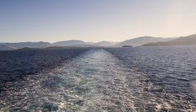 Взгляд от задней части туристического судна Стоковое фото RF